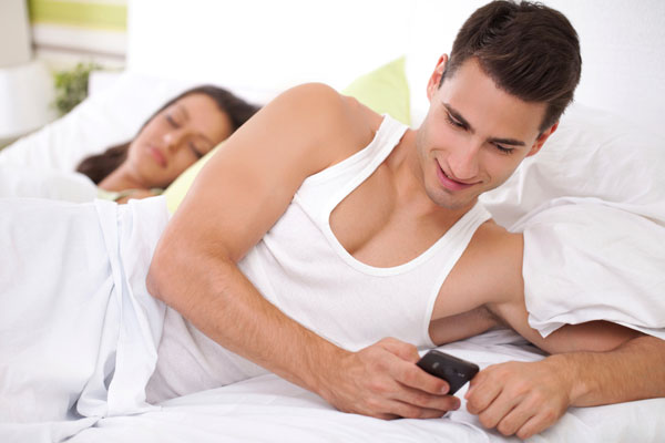 5 Ways to Spy on Husband's Phone (100% Free & Undetectable)